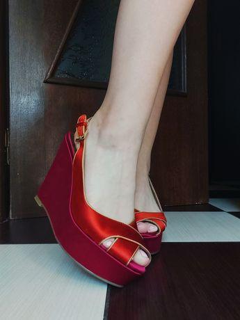 Sandale din satin Guess