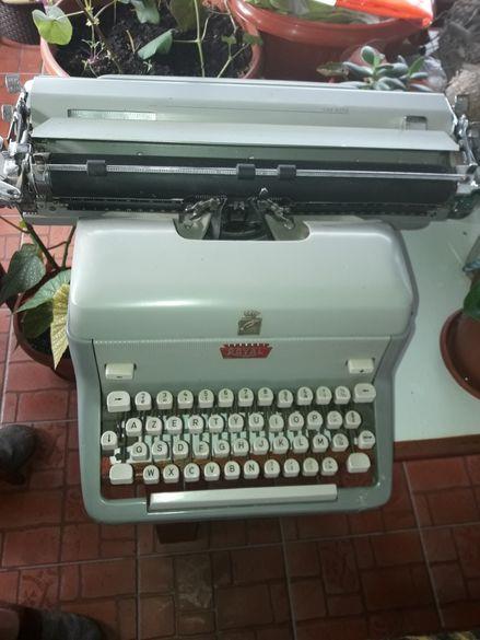 Ретро пишеща машина