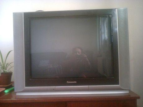 """телевизор японский """"Панасоник"""" с плоским экраном в идеальном состоянии"""