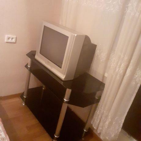 Светной телевизор Samsung, тумбо под телевизор состояние отличное