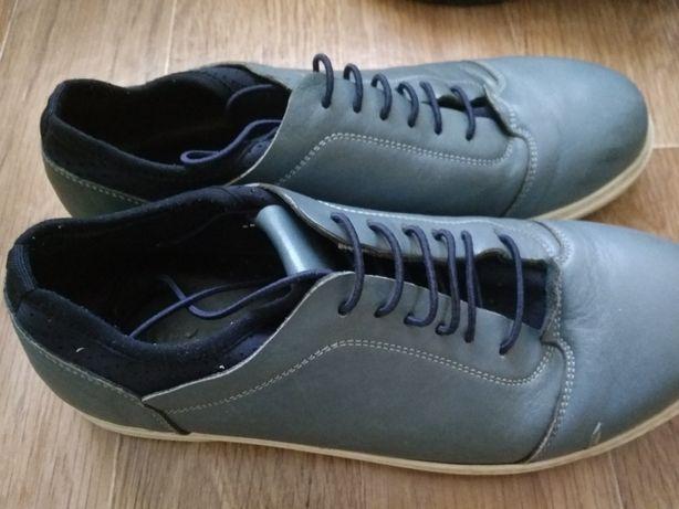 Продам туфли на мальчика размер 38 Турция