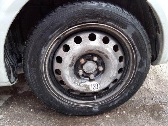Алуминиеви джанти със добри зимни гуми Nokian за Рено Лагуна 2