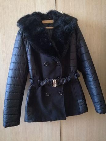 Чисто ново палто с качулка