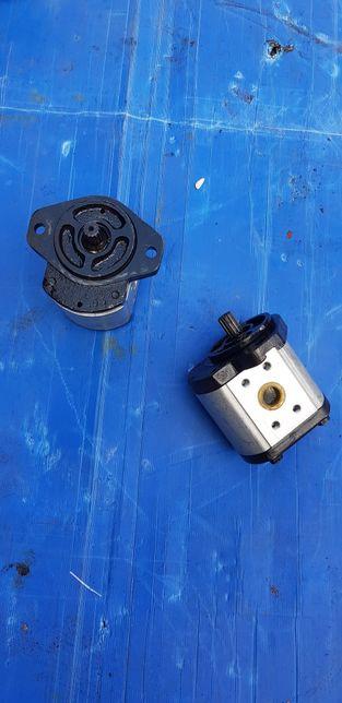Pompa hidraulica cu caneluri pentru tractor ut