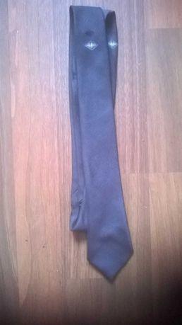 Vând cravată bărbătească neagră