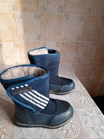 Продам зимнии сапоги для мальчика размер 28 по стельке 18 см