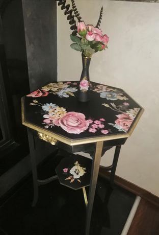 УНИКАТ! Старинна реновирана и декорирана маса