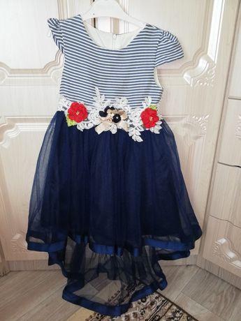 Продам платье на 6-7 лет
