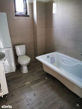 Casa cu 3 camere de 90mp + 100mp curte la 80 000 euro