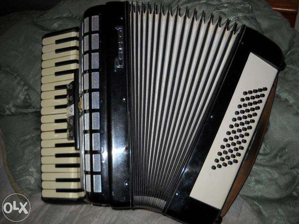 vand acordeon parrot marime medie pentru copii ca nou. . .