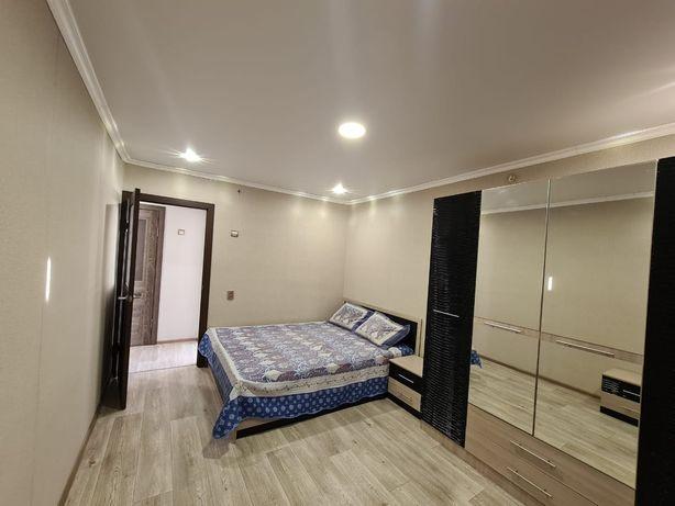 Сдам 2 комнатную квартиру на длительный срок  85 000 +комуналка.