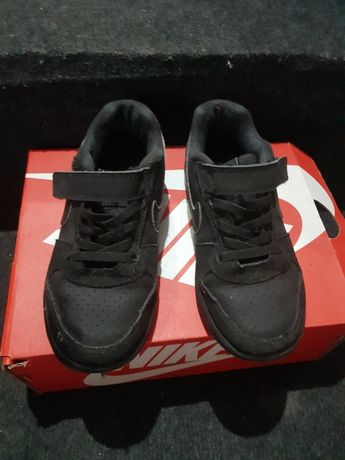 Adidași Nike m 29