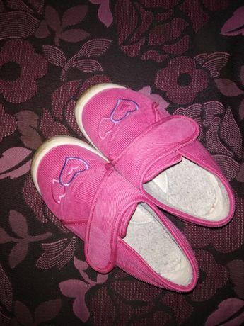 Пантофи и сандали 29н