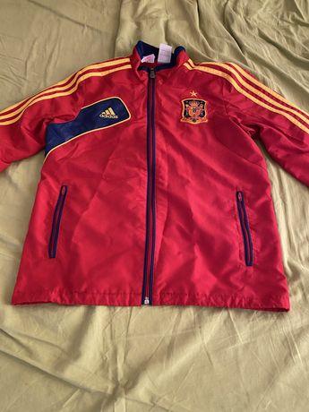 Vand bluza adidas cu nationala spaniei material de calitate ptr 12 ani