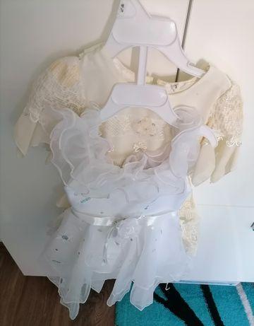 Vând rochițe pentru ocaziile speciale