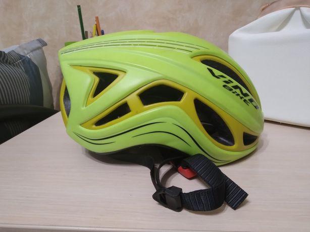 Продам шлем зелёный для велосипеда бренди Vino