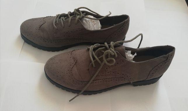 Pantofi aproape noi marimea 38