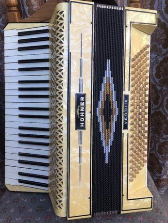 De vinzare acordeon Hohner Verdi 3 .