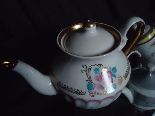Фарфоровый Чайник ручная роспись позолота большой .