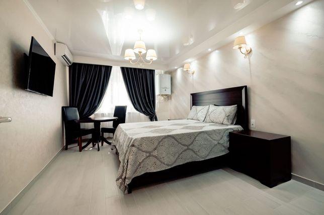Inchiriez apartament o camera Lux