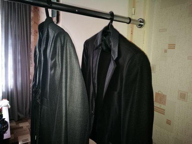 Продам 2 костюма и рубашку