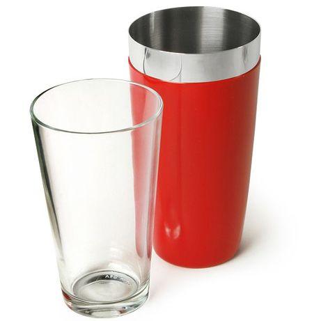 шейкър с чаша