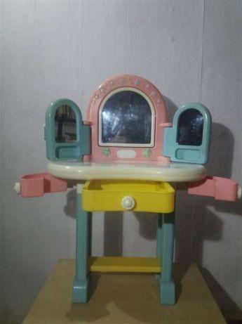 Masuta cu oglinda pentru fetite Chicco