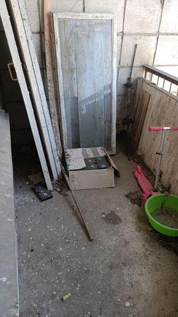 Мусор плиты двери