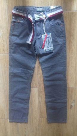 Pantaloni noi măr. 152