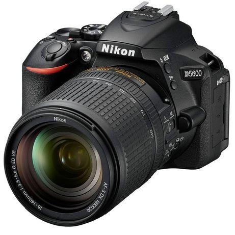 Nikon / D5600   18 - 140 VR Kit Цифровая зеркальная фотокамера