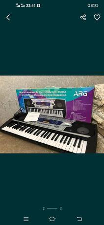 Продам синтезатор!