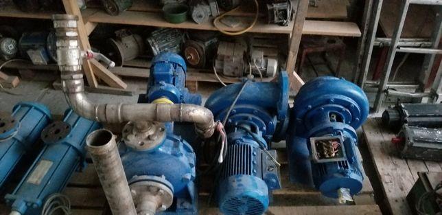 Motor electric trifazat pompa centrifuga agregat hidraulic reductor.