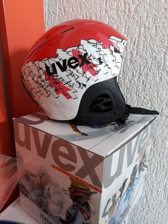 Каска за ски UVEX
