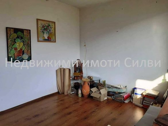 Етаж от къща с Гараж-кв. Гривица