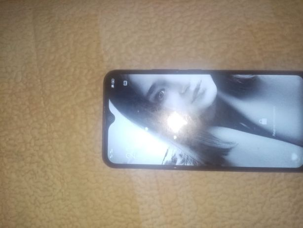 Продам, или обменяю, телефон Vivo Y12