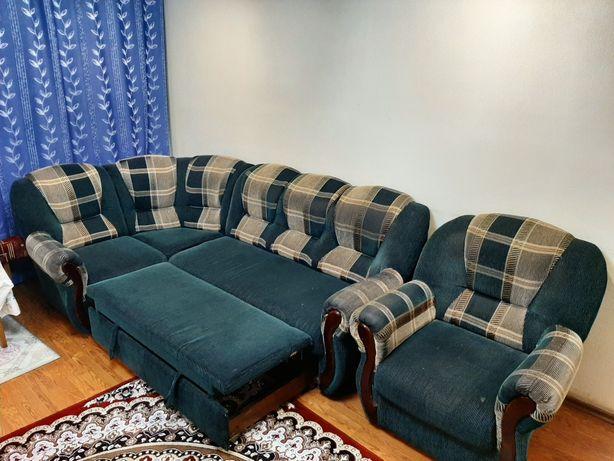 Угловой Диван с креслом продам