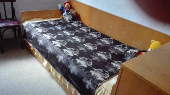 Вълнено одеяло – на цветя – 1 брой – 40 лв.