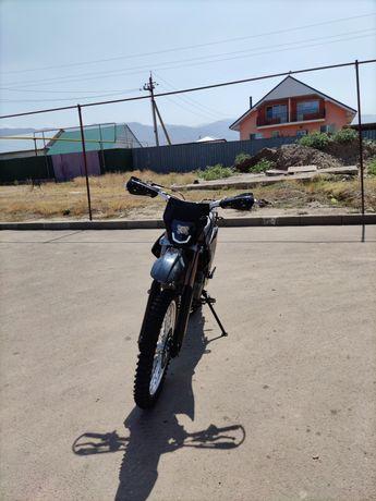 Эндуро мотоцикл.