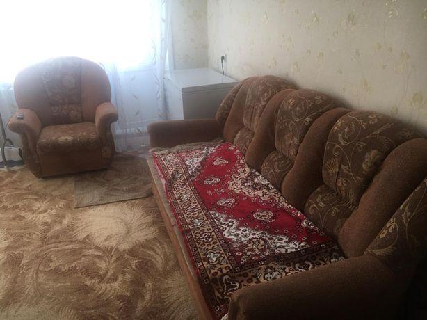 Продам диван два кресла