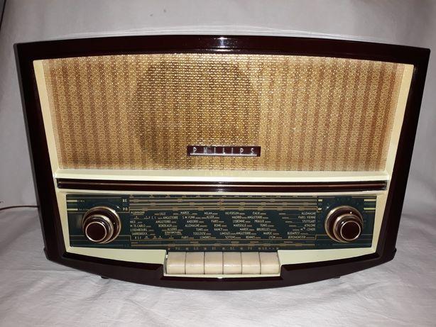 Aparat de radio vechi, cu lampi, Philips BAF-60A, anul 1956
