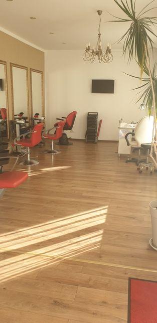 Inchiriez urgent scaun coafor, zona Faget