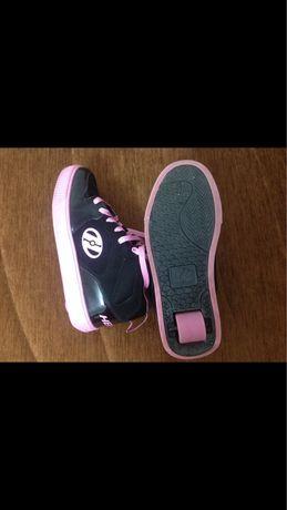 Роликовые кроссовки Heelys,б/у,размер 40,5. Цена 6000 без торга.