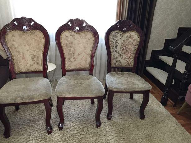 Продам стулья в хорошем состоянии по 5000 тенге