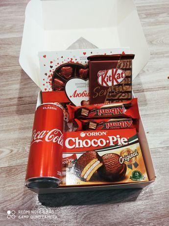 Сладкие боксы, подарки для 8 марта, сладости, конфеты. Подарок