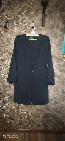 Продается пальто.