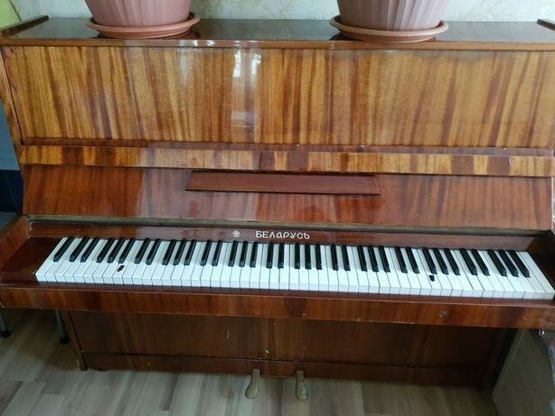 Пианино продам не срочно)))