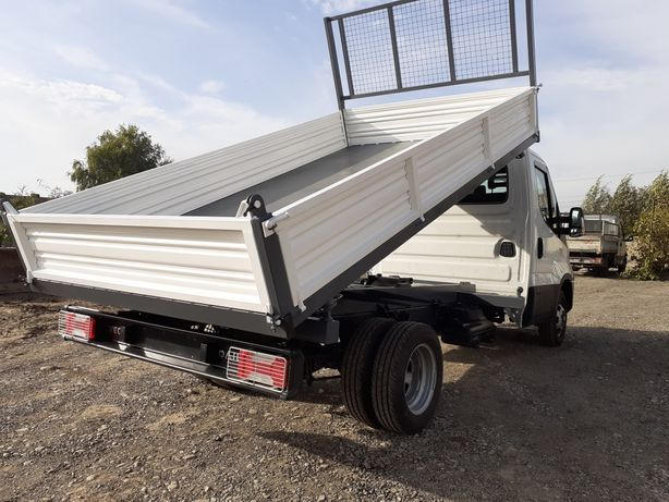 Bena basculabila 7.5 ton italia  ford mercedes