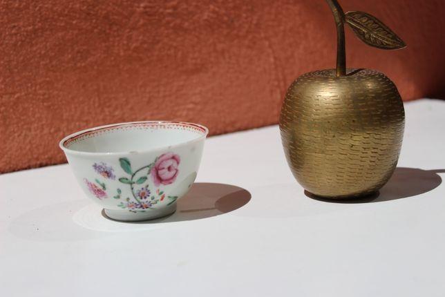 Ceasca portelan de colectie CHINA, QIANLONG, secolul 18, Famille Rose