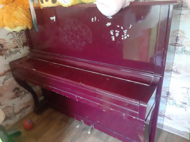 Продам пианино .