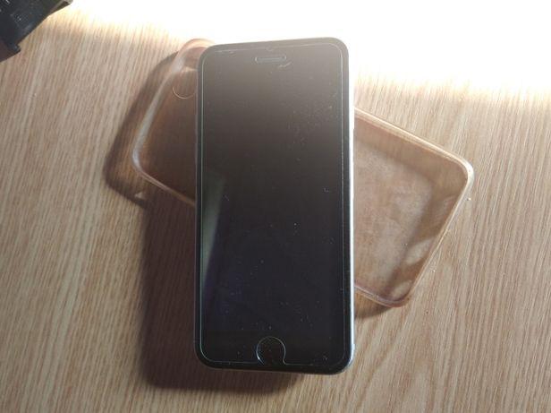 Vând telefon funcțional iPhone 6s cu 16 GB + 4 huse